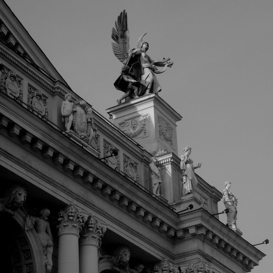 экскурсия по оперному театру львова